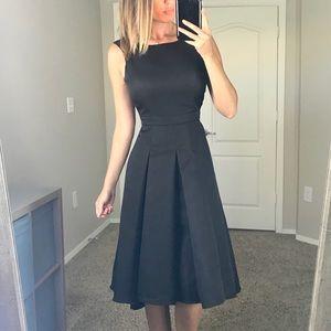 New Lulu's Black Pleated Pleated Midi Skirt Small